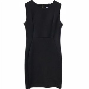 Calvin Klein || Sleeveless sheath dress